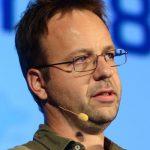 Dr. Roland Huss